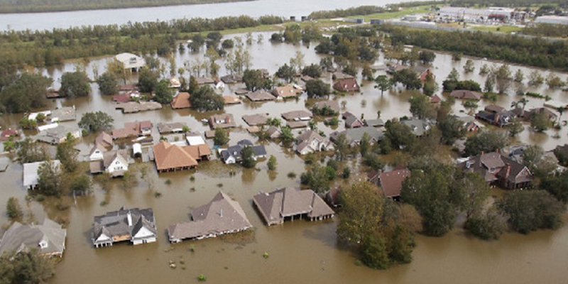 Baton Rouge: City Collects for Flood Victims