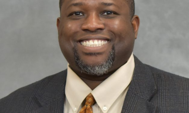 Dr. Torry Tucker Receives Outstanding Teaching Award